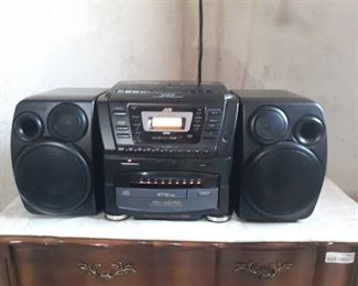 PC-XC70 Portable 10 disc Stereo