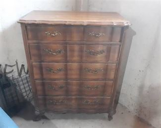 Vintage Wood 5 Drawer Serpentine front Chest of Drawers