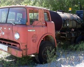 1968 Ford F-7500 Oiler Truck, VIN# C70DUC99550