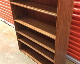 Drexel Vintage 4-Shelf Bookcase https://ctbids.com/#!/description/share/236961