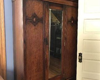 Beautiful mirrored wardrobe