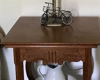 Nice oak side table , lamp and bowl and pitcher.