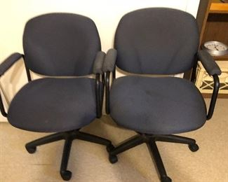 blue swivel office chairs