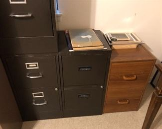 lots of metal file cabinets in different sizes from 2 -5 drawer