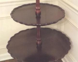 3-tier pie-crust table