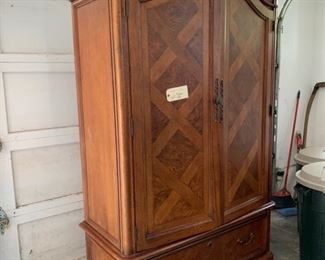 LARGE WARDROBE PERFECT CONDITION $150