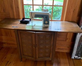 YES, ANOTHER SEWING MACHINE, SINGER GOOD WORKING ODER WITH ALL ATTACHMENTS.  $100.00