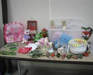 Spring / St. Paddys/ Easter Decorations Lot