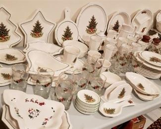 3 Patterns of Christmas Pfaltzgraff