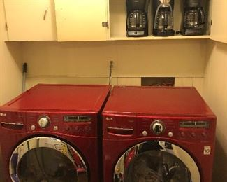 LG Gas Dryer Like New  LG Washer. Like New.