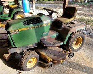 John Deere Lawn Mower (285)