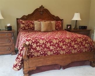 Century king bed mint condition