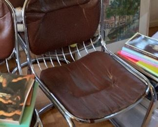 Set of 4 1970s chairs with detachable cushions