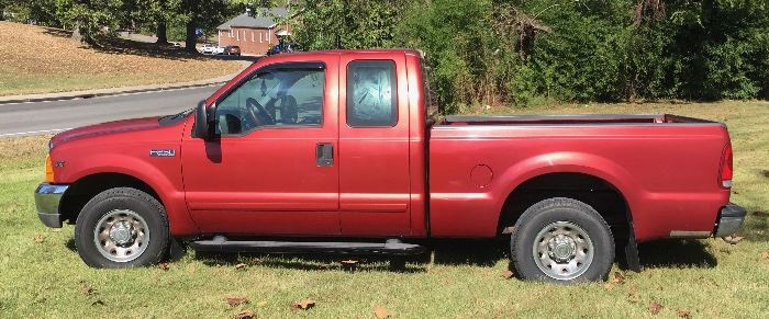 2001 F250 Superduty Club Cab V10 Triton 132K miles, auto, pw,pl,cruise,tow package 2wd. Great condition! Available Now!          call Linda at 615-268-5388