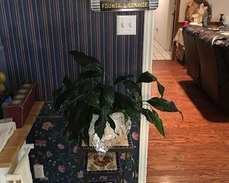 Rooster plant stand set, coke magnet holder