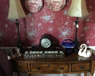Entry table, lamps, vintage clock, Cammark