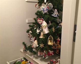 Christmas tree & ornaments