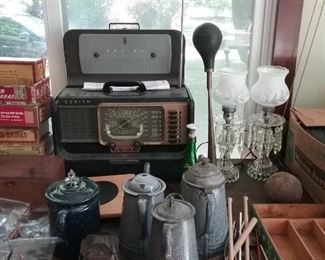 antique zenith radio and antique car horn