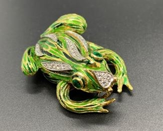 ENAMEL GOLD FROG PIN BROOCH