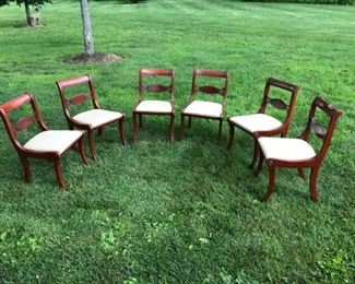SET OF 6 MAHOGANY DINING ROOM CHAIRS $ 125.00