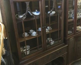 CHIPPENDALE SMALL WALNUT CHINA CABINET 375.00, MAHOGANY     PRISTINE CONDITION    WOULD BE GREAT IN A BATHROOM WITH TOWELS AND SILVER TRAY FOR PERFUMES, GREAT PETITE SIZE