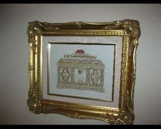 SMALL FRAMED METALLIC TREAD PICTURE IN A GOLD FRAME, EXQUISITE  HAND WORK!
