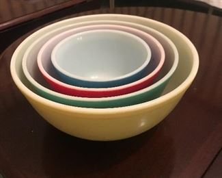 Pyrex original primary nesting mixing bowl set 1940's not numbered.