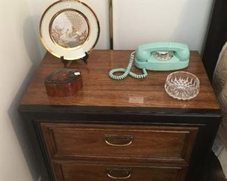 Thomasville furniture matching bed side table with 2 drawers