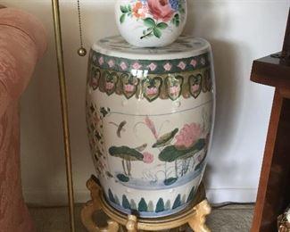Oriental plant stand/stool