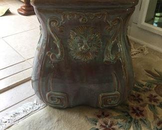 Lion head stool