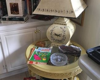 Round side table, Shabby Chic LAmp