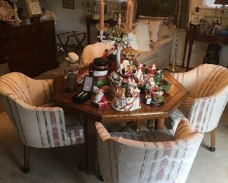 Octagon table with 4 rolling chairs