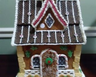 Byers Choice Spearmint Holly Gingerbread House