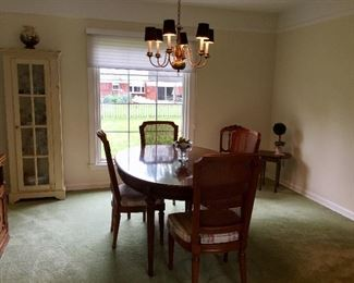 Vintage dining room set, 4 chairs and 2 leaves