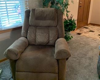 Power lift chair/recliner