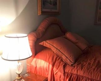 Bedroom set, pictures, bedspread, pillows, lamp