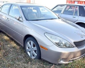 At 8PM: Lexus ES330 Estate Auto