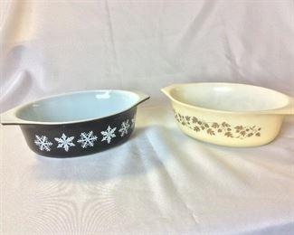 Vintage Pyrex, Snowflake and Golden Acorn Pattern.