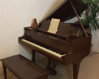 "Steinway and Sons Grand Piano, Model M Serial Number 180628 (1917), ""Patent Grand Construction Oct 3 1899"". Recently Tuned and Cleaned with Paperwork. Walnut Finish,"