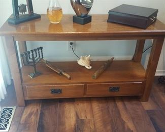 $75  Console/Sofa Table