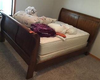 Queen size bed - full size mattress