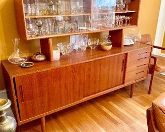 MCM bar/cabinet