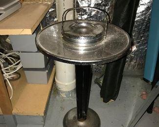 Deco ash tray