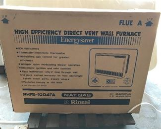 Rinnai Natural Gas heater RHFE-1004FA 10,500-38,400 BTU