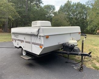 2005 Flagstaff Camper with Heat and Air, sleeps 4