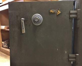 Pre-sale $250 (negotiable) Meilink floor safe on casters