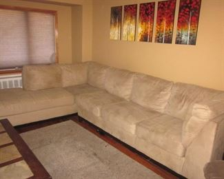 Raymour & Flanigan Sectional Sofa with Chaise Lounge
