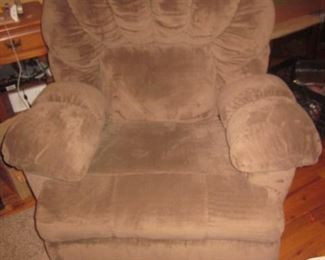 Raymour & Flanigan Comfortable Recliner