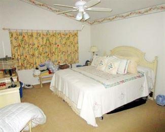 Bedroom set   queen bed & nightstand  with dresser and vanity