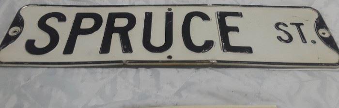 Spruce St Sign